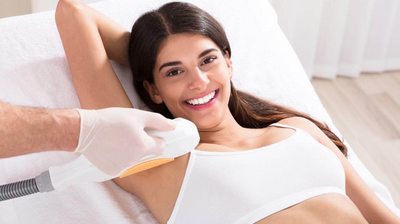 Epilare cu laser – cel mai eficient tratament împotriva foliculitei.